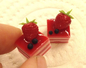 Miniature Sweet -Cake Strawberry- 5pcs For Deco Charms Dolls House - LOT249