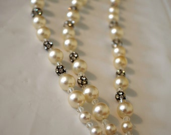 Vintage faux pearls NECKLACE 3 strand