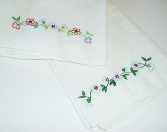 Vintage Embroidered Dish Towels - Set of 2 - 1960s