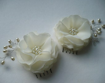 Ivory hair accessories Flower hair comb Bridal hair accessory Flowers for hair