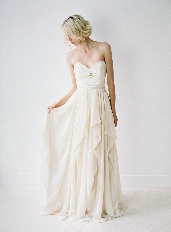 Brautkleid ohne Ärmel