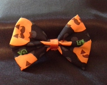 "4"" jack-o-lanterns with mustache hair bow"