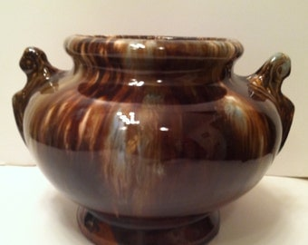 Brush McCoy Onyx Urn With Two Handles