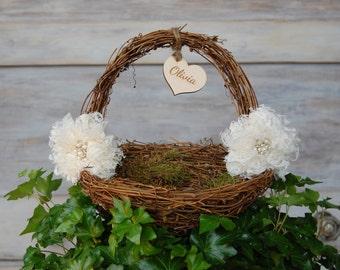 Rustic Chic Flower Girl Basket / Shabby Chic Flower Girl Basket/ Rustic Flower Girl Basket/ Shabby Chic Wedding/ Rustic Wedding Decor/Basket