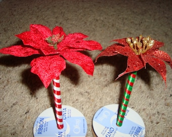 Christmas Flower Pens, pick between 2 flower types and 2 ribbon color options, great for Christmas parties, games, or gifts.