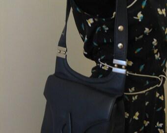 Vintage 70s Blue Handbag Shoulder Bag Purse Tote Silver Hardware
