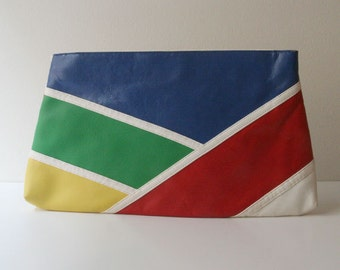 Vintage leather colorblock clutch with straps.