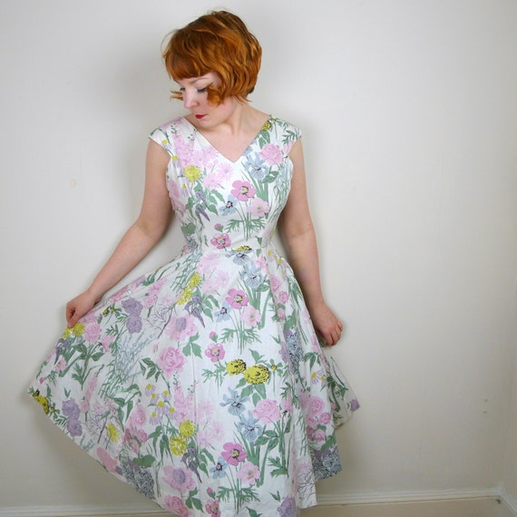 50s GARDEN floral dress DAINTY romantic SUMMER print pastel colours rockabilly mid century 1950s skirted swing day dress uk12 S