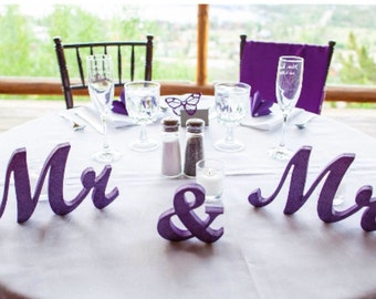 Mr. & Mrs. Wedding signs. Mr and Mrs Purple. Mr and Mrs glitter. Signs wedding table decoration. Mrs and Mrs. Mr and Mrs. Wedding signs