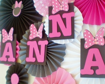 Minnie mouse party table backdrop paper fans pink, black, white pinwheels