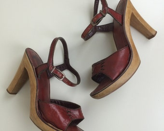 oxblood leather & wood sandals sz 6