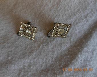 diamond shaped rhinestons earring