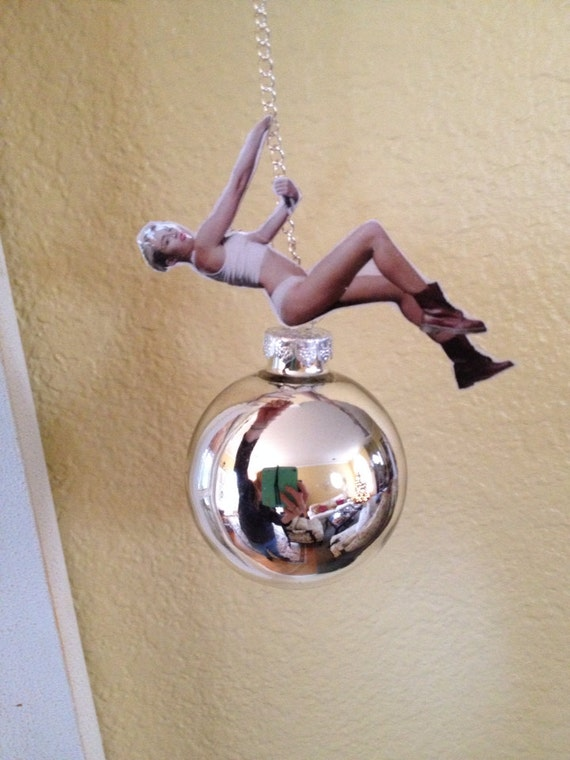Wrecking Ball Miley Cyrus song  Wikipedia
