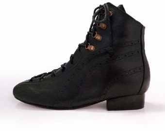 Yelena ankle boot