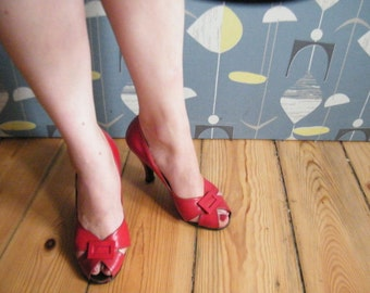 50s 40s peeptoes red high heels size 9