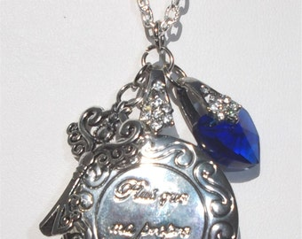 "Twilight inspired locket engraved  ""Plus que ma propre vie"" in silver and cobalt blue"