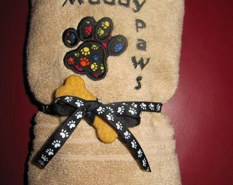Appliqued Towel for your Pet...Wipe those muddy paws with this adorable hand size towel.