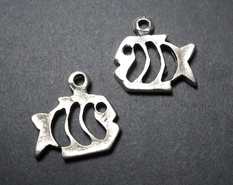 2 Pewter Fish Charms, 20x14mm,  Fish Pendant, Ocean Charms, Fish Charms, Fish Charm, Fishing charms, Fish Jewelry, Nature Charms SC0035