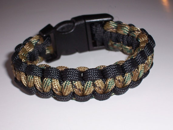 paracord bracelet camo and black custom made