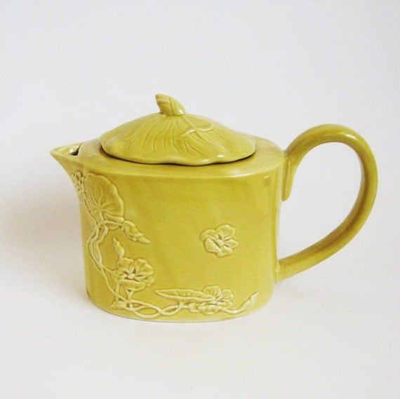 Vintage Art Deco Mustard Yellow Tea Pot