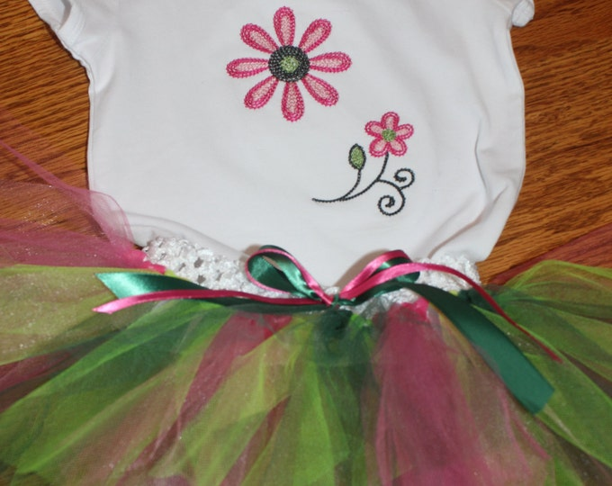 Flower shirt and tutu set. Size 9 months, Photo Prop, Costume, Dress up, Birthday Outfit, Baby girl clothing, Girl Clothes.