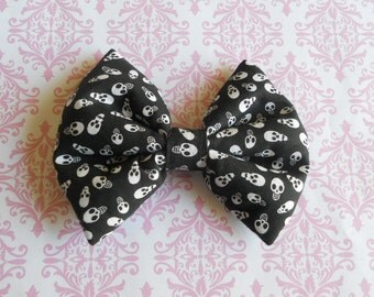 Mini skulls hair bow black punk lolita