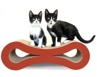 Figure 8 Cat Scratcher - Plum