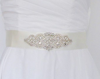Wedding sash, crystal wedding sash, bridal belt, rhinstone bridal belt sash /Beauté Beauté