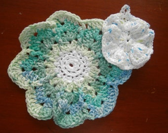Dish Cloths - Set of 2 - Flowers in Green Pastels - 100% Cotton - Hand Crocheted - Wash Cloth - Kitchen Gear - Bathroom - Housewarming
