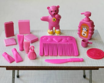 Pink Barbie Blythe size accessories