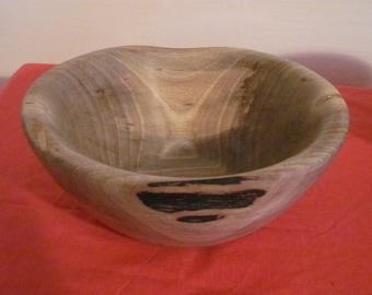 Wallnut bowl - hand turned