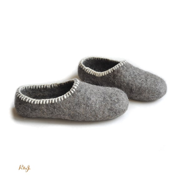 Eco Friendly Slippers: Eco Friendly Gray Felted Slippers