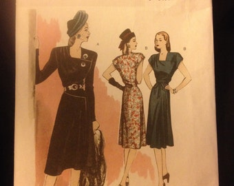 b5281 RETRO lady's dress from 1946 NEW and uncut