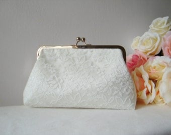 personalize bridesmaid  bridal Clutch / ivory Bridal Clutch / personalize bridesmaids gift / bridesmaids wristlet / wedding Purse / Pouch