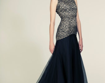 Lace and Tulle Dramatic Black Evening Gown / Dress