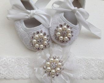 White baby girl crib shoes and headband set- Christening, baptism ,lace baby shoes- Newborn white rhinestone shoes