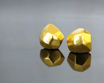 Post earrings, Gold stud earrings, Fashion earring, Geometric earring, Faceted earring, Everyday earring, Circle earring, Gold Earring small