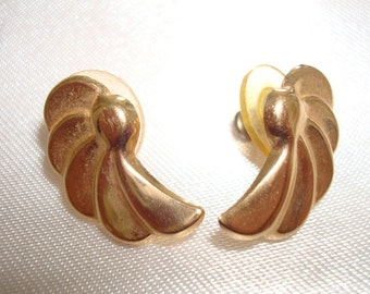 14K Gold Angel Wing Earrings