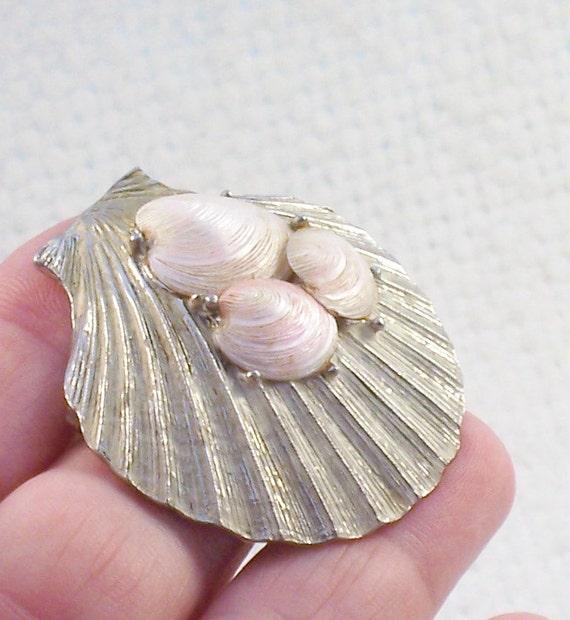 Vintage 1950's Capri Shell Pin Brooch Silver Book Item