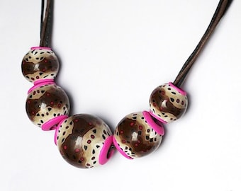 hollow beads necklace
