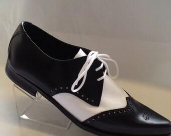 Bugsy Brogue Winklepicker Shoe in Black/White Leather