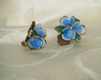 CLOSE OUT SALE  1960s Vintage Blue Flower Clip-on Earrings