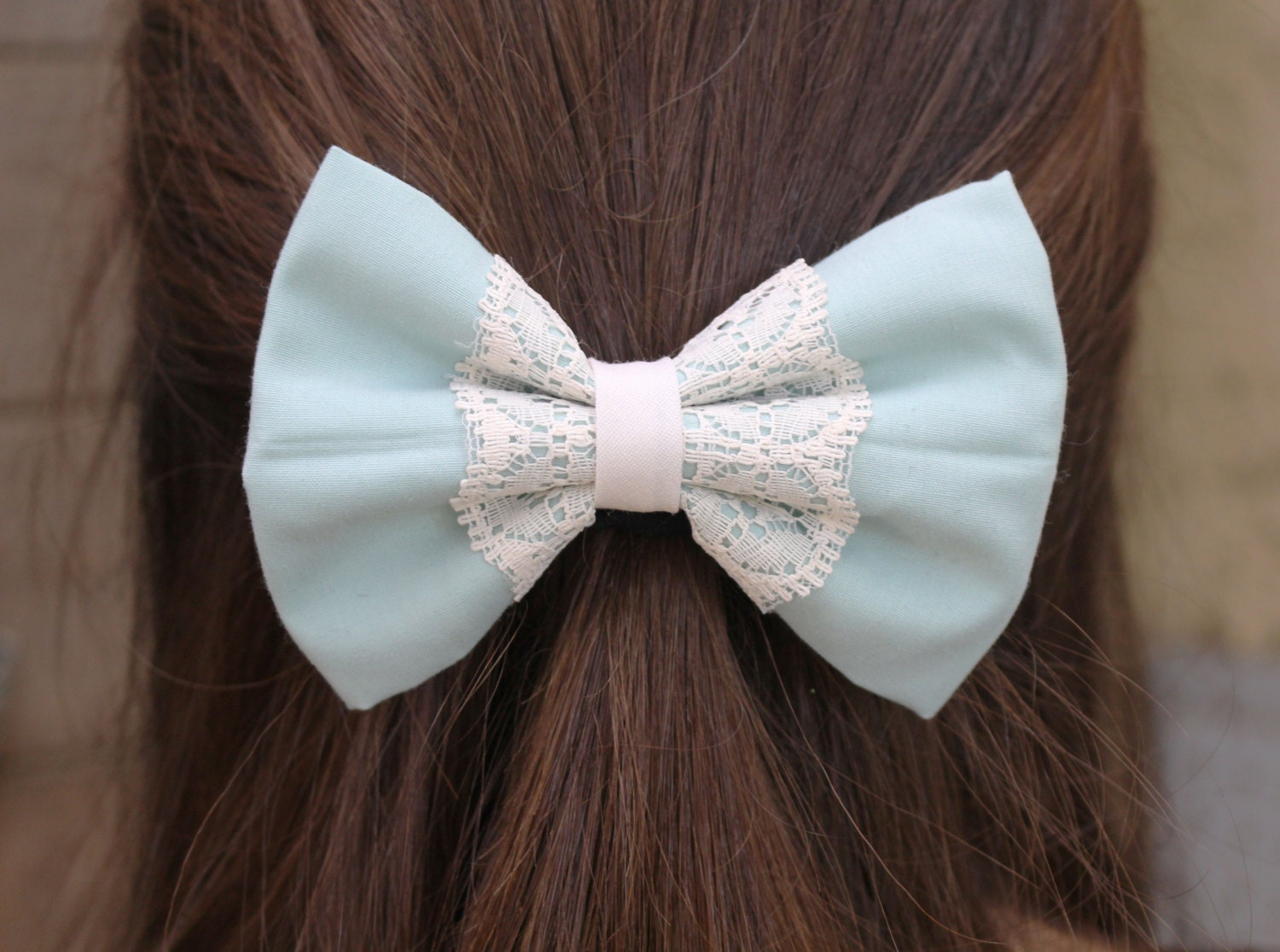 Sep 19, · Edit Article How to Make a Hair Bow out of Ribbon. Four Methods: Preparing the Fabric and Materials Creating the Bow Tie Hair Bow Creating the Classic Hair Bow Creating a Layered Hair Bow Community Q&A Hair bows are fun accessories that can be worn with any length of hair 50%(2).