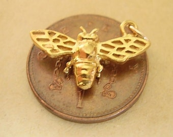 9ct Gold Fully Hallmarked Bee Charm