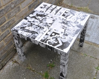 Walking Dead comic book table
