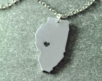 Free shipping - I  heart Illinois Necklace - Illinois  Pendant - State Necklace - State Charm - Map necklace - Map Jewelry