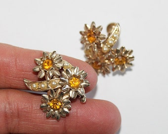 Vintage Rhinestone Screw Back Earrings, JW131