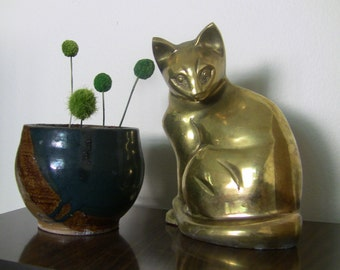 Vintage Fine Brass Curious Kitty Cat Statue
