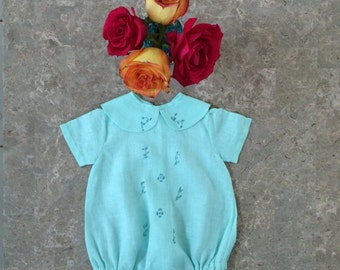 "Delicate new born bodysuit ""cotita"" with pants, handmade"