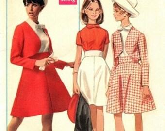 Butterick 5071 Super Mod Suit & Blouse 1960's / SZ12 UNCUT